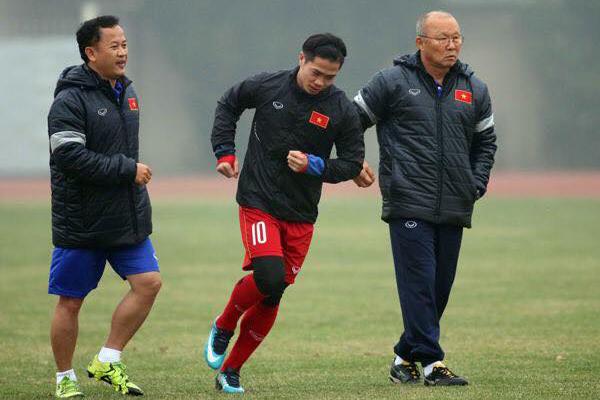 U23 Việt Nam chỉ có 1 buổi 'luyện công' để 'chiến' U23 Iraq