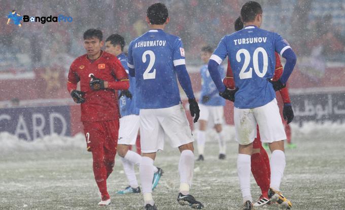U23 Uzebekistan được chào đón nồng nhiệt không kém U23 Việt Nam khi về nước