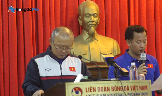 HLV Park Hang-seo phủ nhận mâu thuẫn với Quang Hải