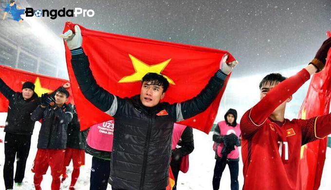 SLNA nên mượn thủ môn Bùi Tiến Dũng từ FLC Thanh Hóa
