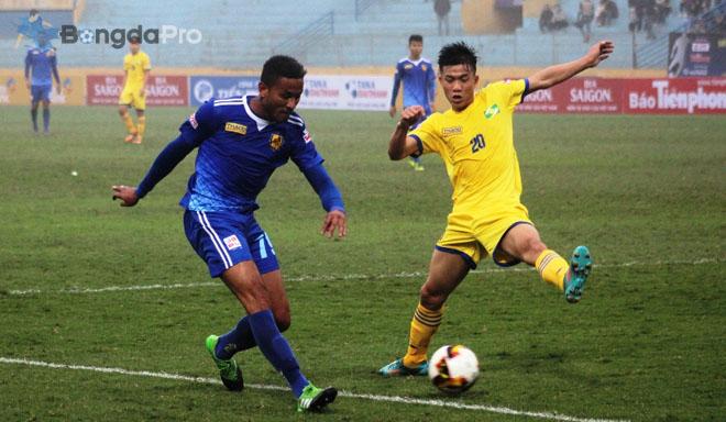 Nhìn Xuân Mạnh, Văn Đức, lo ngại cho các cầu thủ U23 Việt Nam tại V.League 2018