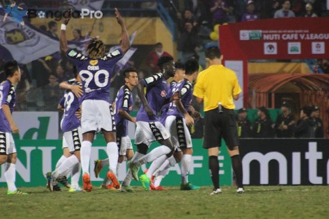 Bảng xếp hạng V-League 2018 mới nhất ngày 17/3: Hà Nội FC đòi lại ngôi đầu bảng