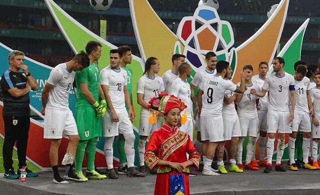 Cavani tỏa sáng, Uruguay đánh bại Xứ Wale ở trận chung kết China Cup 2018