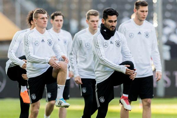 Lịch thi đấu bóng đá giao hữu tuyển quốc gia ngày 27/03 và rạng sáng 28/03: Đức vs Brazil