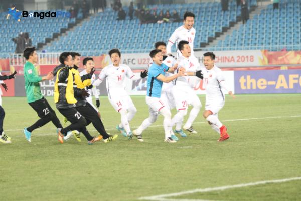 Giá vé sân Hàng Đẫy xem trực tiếp Hà Nội FC vs HAGL ở V. League 2018