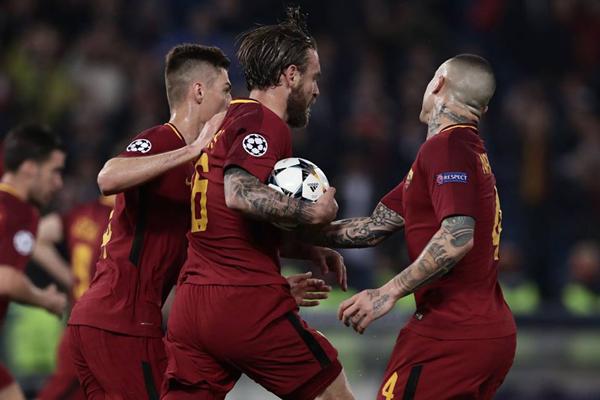 Kết quả AS Roma 3-0 Barcelona: Barca bị loại khỏi Cúp C1 châu Âu