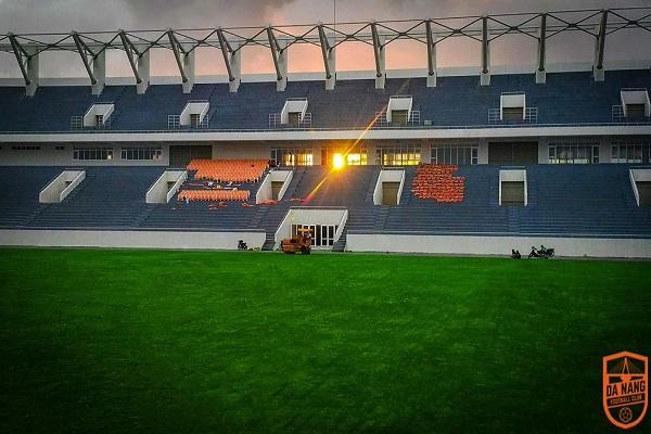 Giá vé sân Hòa Xuân xem trực tiếp SHB Đà Nẵng đá V.League 2018