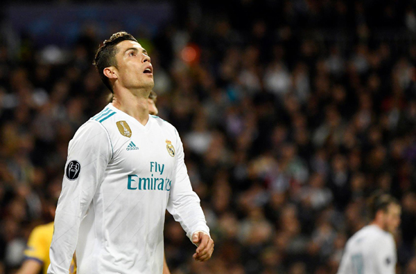 Kết quả Real Madrid 1-3 Juventus: Ronaldo giúp Real giành vé vào bán kết C1 trong sợ hãi