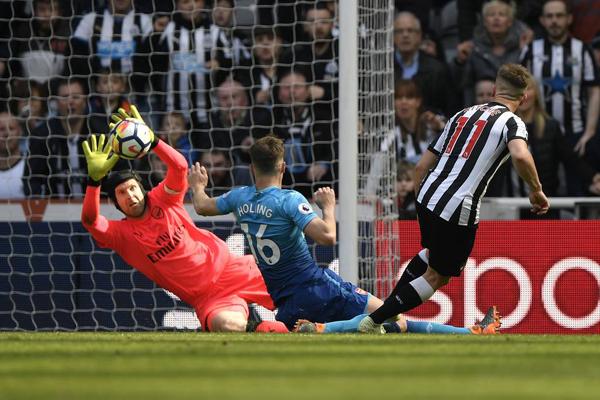 Kết quả Newcastle 2-1 Arsenal: Cái kết bất ngờ
