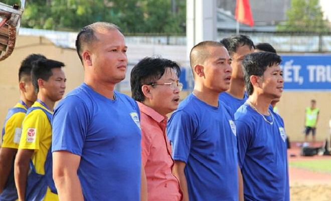 Bị cầm hòa trên sân nhà, FLC Thanh Hóa buông xuôi chức vô địch V-League 2018