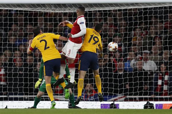 Kết quả bóng đá Cúp C2 châu Âu hôm nay (27/4): Arsenal 1-1 Atletico Madrid