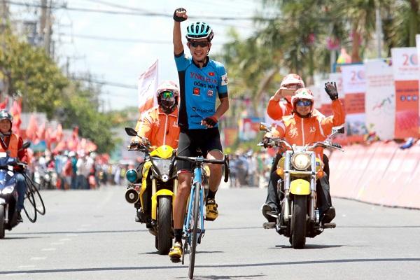 Trực tiếp chặng 27 giải đua xe đạp Cúp Truyền hình TP.HCM 2018 ngày 27/4