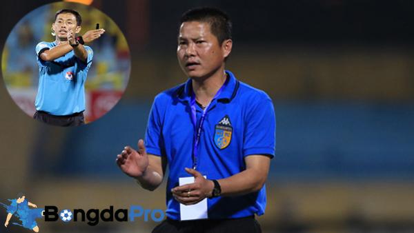 HLV Chu Đình Nghiêm: Trọng tài 'đè nghiến' Hà Nội FC ra phạt