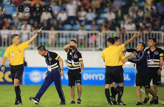 Hai trọng tài FIFA từ chối bắt chính trận tứ kết lượt về Hà Nội FC vs HAGL