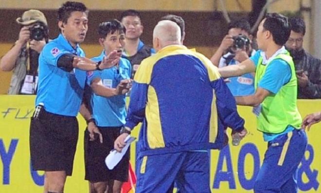 Trọng tài bắt chính trận lượt về Hà Nội FC vs HAGL từng dính nhiều 'phốt'