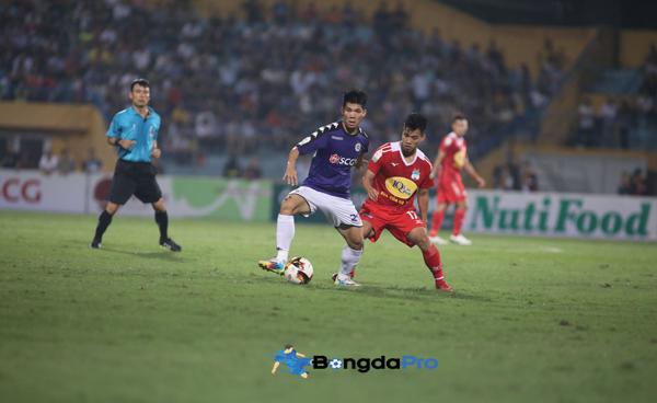 Vé trận Hà Nội FC vs HAGL (19h00 ngày 15/5) giá bao nhiêu, mua ở đâu?