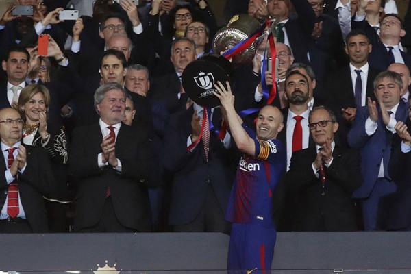 Kết quả Barcelona 1-0 Real Sociedad: Messi dự bị, Barca thắng nhẹ trong ngày chia tay Initesta