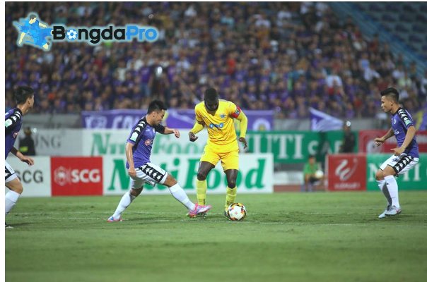 Trực tiếp kết quả vòng 9 V-League 2018 ngày 26/5: Hà Nội FC 4-3 FLC Thanh Hóa