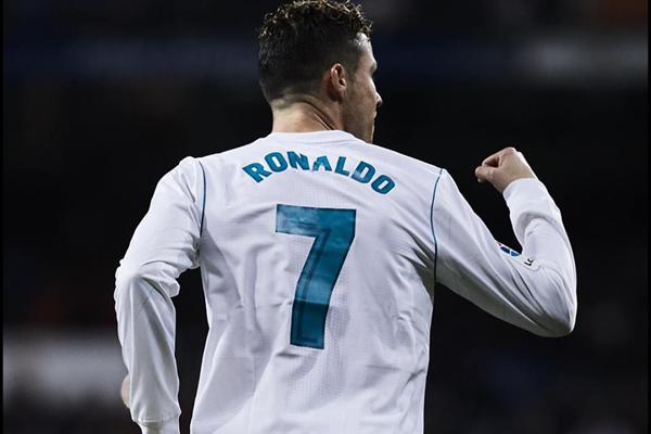Nhà tài trợ 'ép' MU đưa Ronaldo trở lại Old Trafford
