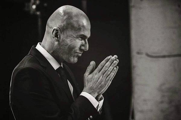 Zidane chính thức từ chức sau hat-trick vô địch C1