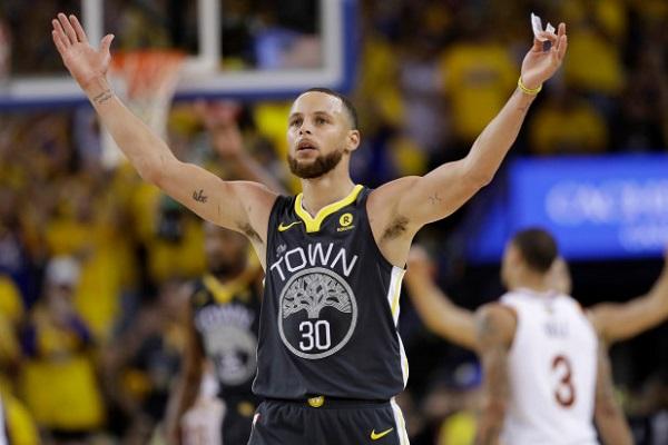 Lịch thi đấu game 3 chung kết NBA 2018: Cavaliers vs Warriors