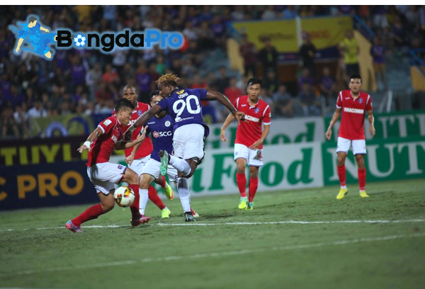 Kết quả vòng 13 V-League 2018 hôm nay 13/6: Hà Nội vs Than Quảng Ninh (FT: 4-1)