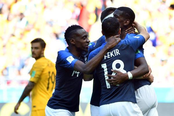 Kết quả Pháp 2-1 Úc: Griezmann và Pogba lập công, Pháp nhọc nhằn đánh bại Úc