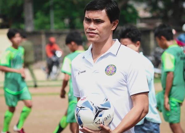 Phan Văn Tài Em từ chức ở Sài Gòn FC, HLV Nguyễn Thành Công lên thay thế