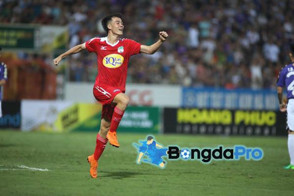 Kết quả Quảng Nam vs HAGL (FT 2-2): Văn Toàn tỏa sáng, HAGL vẫn bị cưa điểm