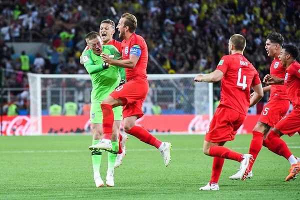 """Tin nóng World Cup hôm nay (8/7): Harry Kane """"tịt ngòi"""" trong sân nhưng """"nổ"""" to ngoài sân"""