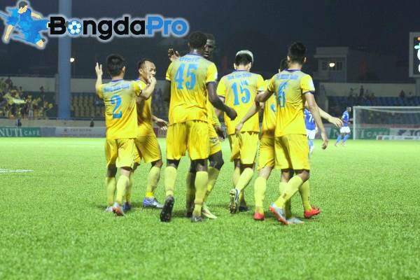 Kết quả FLC Thanh Hóa 1-1 Than Quảng Ninh: Chia điểm ngày mưa