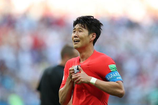 Điểm tin bóng đá sáng nay (17/7): Son Heung-min chính thức tham dự Asiad, Arsenal bị lừa đảo