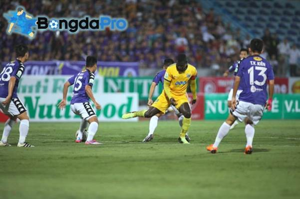 Kết quả FLC Thanh Hóa vs Hà Nội FC (FT 2-3): Quang Hải và đồng đội phá dớp tại xứ Thanh