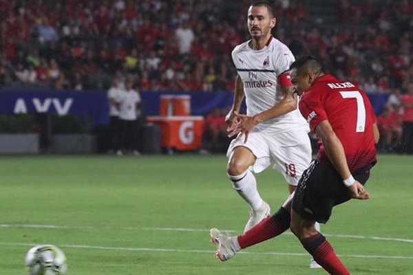 Kết quả AC Milan vs MU (FT 1-1, Pen: 8-9): Chiến thắng đầu tiên