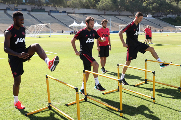 Lịch thi đấu bóng đá hôm nay (26/7): MU vs AC Milan