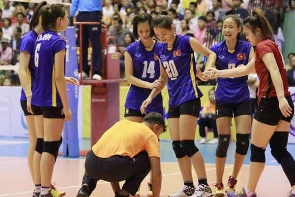 Kết quả Việt Nam 3-2 Tứ Xuyên: Việt Nam vào chung kết VTV Cup 2018