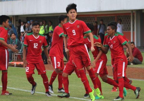 Kết quả U16 Indonesia vs U16 Malaysia (FT 1-0): Chủ nhà tranh Cúp với người Thái