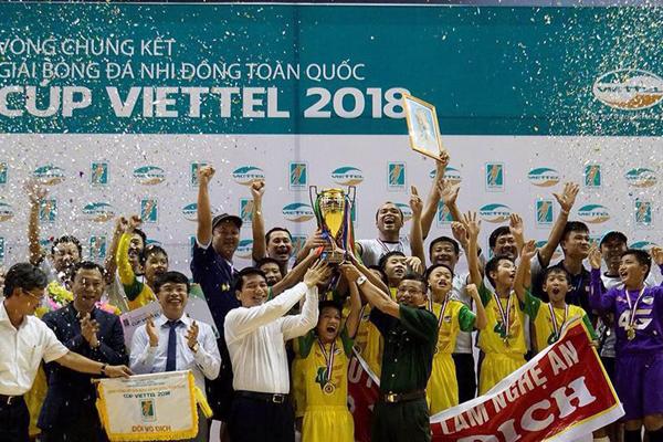Kết quả chung kết U15 Quốc gia 2018: U15 SLNA 1-1 U15 Viettel, penalty: 5-4