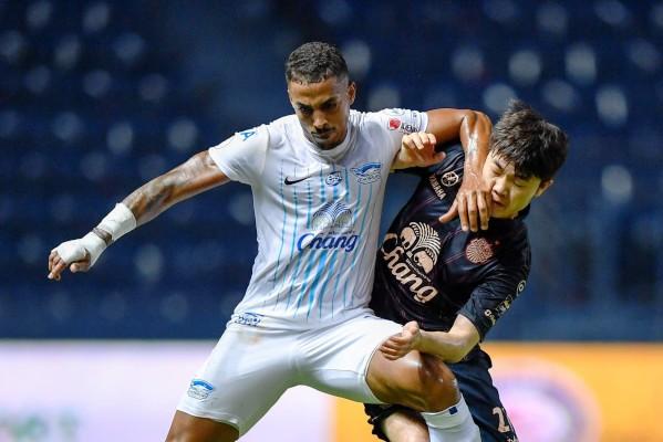 Tại sao Xuân Trường chỉ đá 50 phút ở vòng 1 Thai-League 2019?