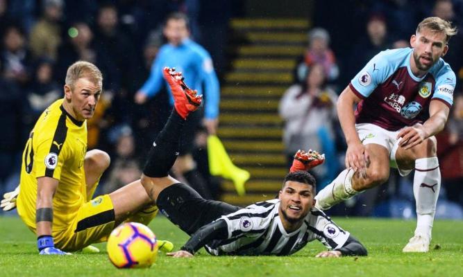 Lịch thi đấu bóng đá Anh hôm nay (26/2): Newcastle vs Burnley