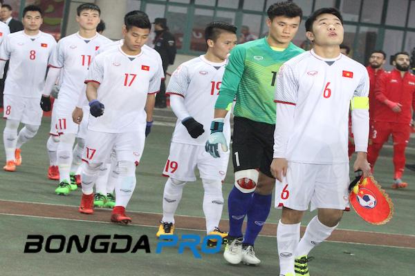Hậu vệ cánh số 1 tuyển Việt Nam báo tin mừng