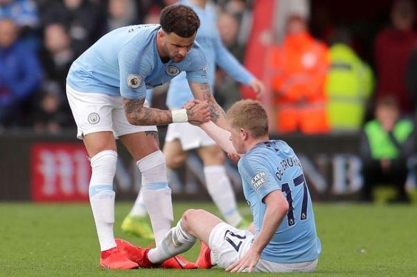 Chiếm ngôi đầu của Liverpool, Man City vẫn đón tin cực buồn