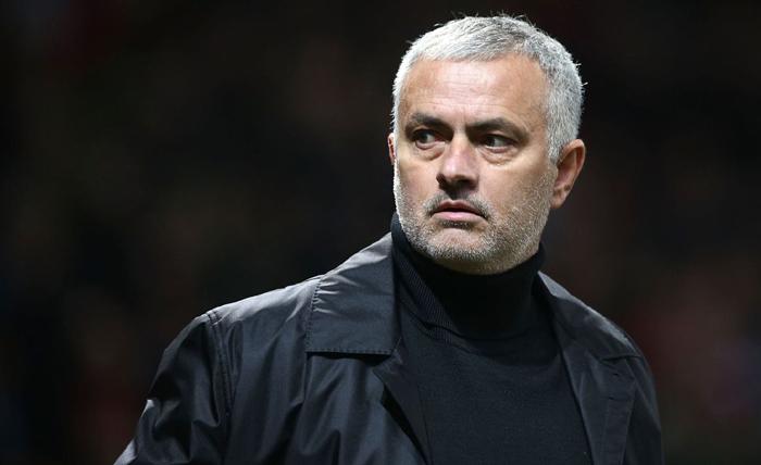 Mourinho mỉa mai Liverpool không thể vô địch