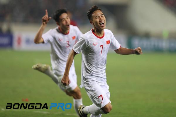Tin bóng đá hôm nay 25/3: Lộ 'mật thư' HLV Park Hang-seo truyền cho Quang Hải