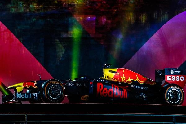 Xem trực tiếp xe F1 đua thử tại Hà Nội ở đâu?