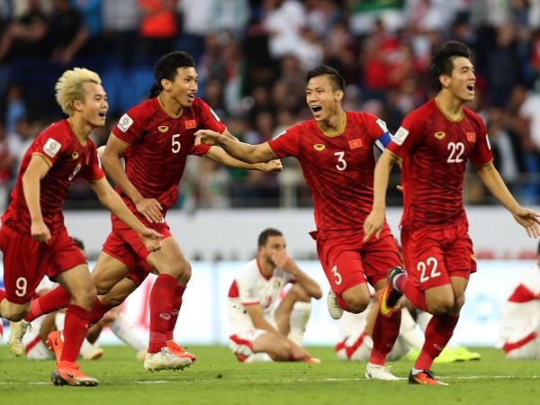 Danh sách ĐT Việt Nam dự King's Cup 2019: Tuấn Anh trở lại, Bùi Tiến Dũng vắng mặt