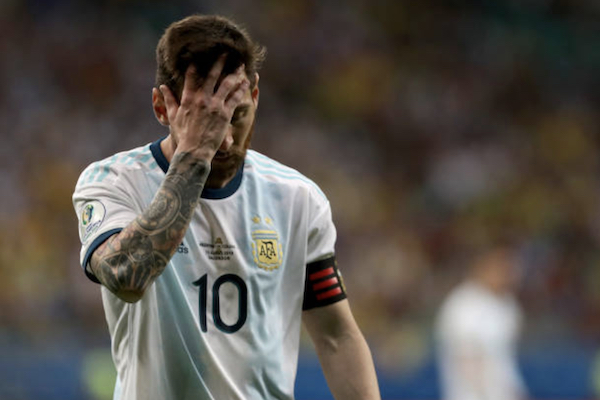 Argentina 0-2 Colombia: Messi bế tắc, thua trận ra quân Copa America 2019