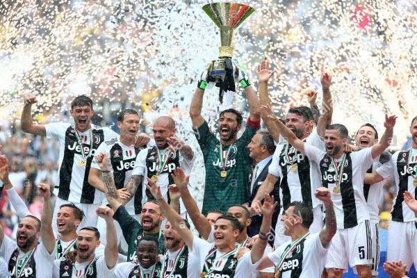 Buffon từ chối sang Anh để trở lại Juventus