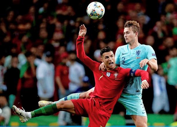 De Ligt gia nhập Juventus vì Ronaldo