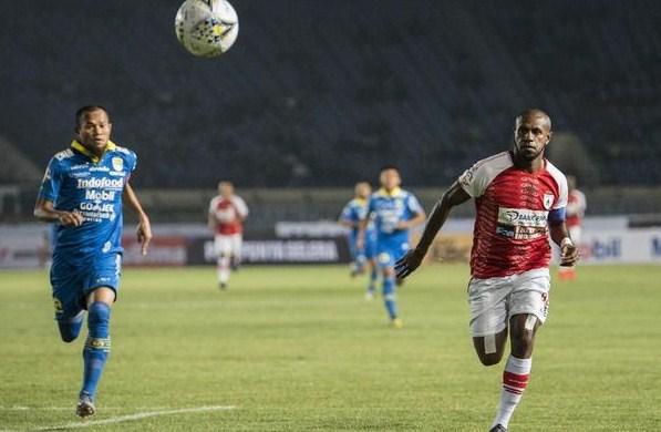 Trực tiếp Persipura Jayapura vs Semen Padang, 13h30 ngày 28/6
